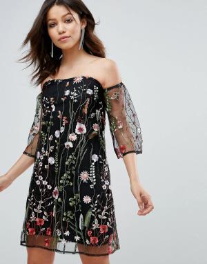 Parisian Платье с открытыми плечами и цветочной вышивкой. Цвет: черный