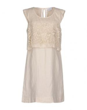 Платье до колена LA FABBRICA del LINO. Цвет: слоновая кость