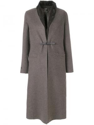 Пальто с поясом и съемной жилеткой Manzoni 24. Цвет: коричневый
