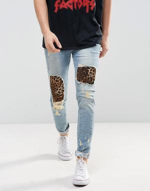 ASOS Голубые зауженные джинсы с нашивками и рваной отделкой. Цвет: синий