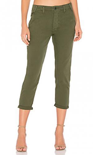 Короткие брюки The Great. Цвет: зеленый