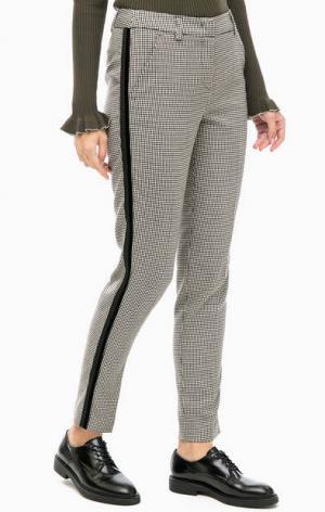 Зауженные брюки с застежкой на молнию и крючок Kocca. Цвет: серый