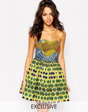 Sika Платье для выпускного с вырезом сердечком X ASOS. Цвет: мозаичный принт и уз