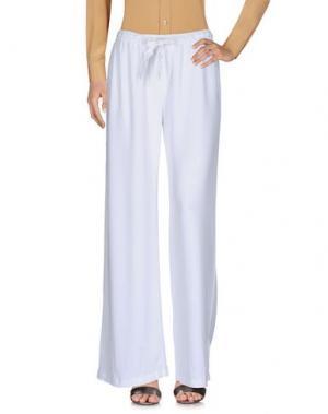 Повседневные брюки YOUNG FABULOUS & BROKE. Цвет: белый