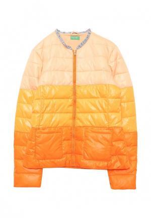 Куртка утепленная United Colors of Benetton. Цвет: оранжевый