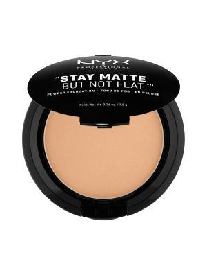 Тональная основа-пудра STAY MATTE BUT NOT FLAT POWDER FOUNDATION - TAN 09 NYX PROFESSIONAL MAKEUP. Цвет: золотистый, коричневый