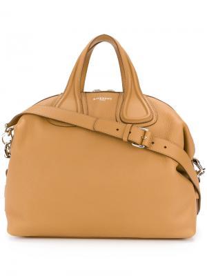 Большая сумка-тоут Antigona Givenchy. Цвет: телесный