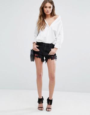 BLANK NYC Рваные джинсовые шорты с вышивкой. Цвет: черный