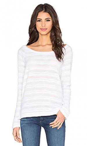 Полосатый свободный пуловер Bella Luxx. Цвет: белый