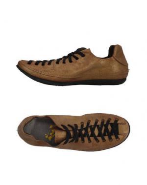 Низкие кеды и кроссовки MARSÈLL. Цвет: золотистый