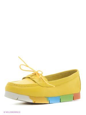 Лоферы MILANA. Цвет: желтый