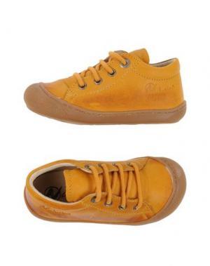 Низкие кеды и кроссовки NATURINO. Цвет: охра