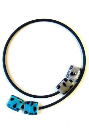 Колье Lema Punto Divetro. Цвет: голубой, серый, черный