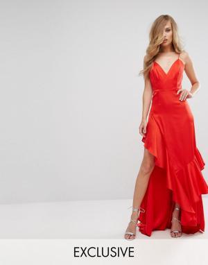 Fame and Partners Матовое атласное платье с оборкой. Цвет: красный