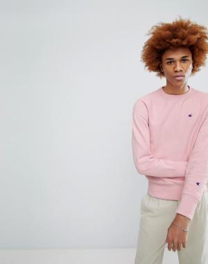 Champion Розовый свитшот с маленьким логотипом. Цвет: розовый