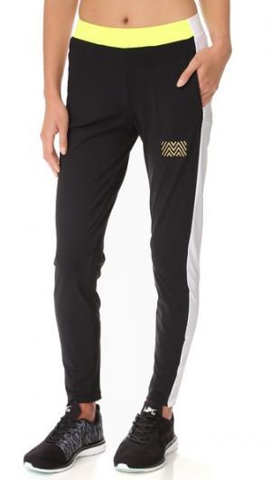 Тренировочные брюки с боковыми вставками Monreal London. Цвет: черный/белый