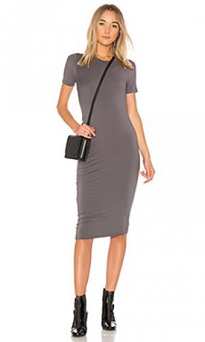 Облегающее платье с рюшами alliastair sen. Цвет: серый