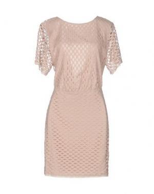 Короткое платье INTROPIA. Цвет: телесный