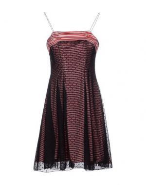 Короткое платье BEAYUKMUI. Цвет: красный