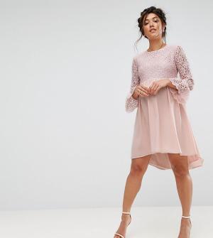 Queen Bee Асимметричное платье с кружевным топом и оборками на рукавах. Цвет: розовый