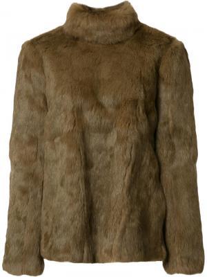 Меховая куртка с застежкой на спине Vanessa Seward. Цвет: коричневый