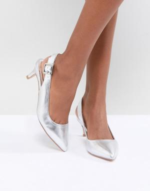 Faith Серебристые туфли с эффектом металлик на каблуке-рюмочке. Цвет: серебряный