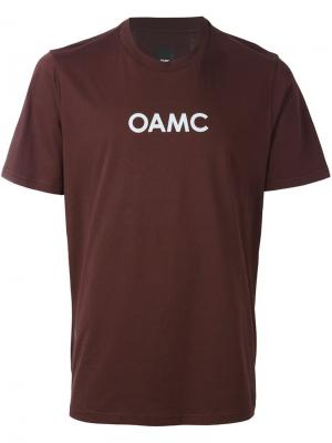 Футболка с принтом логотипа Oamc. Цвет: розовый и фиолетовый