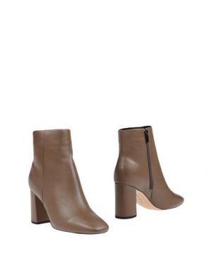 Полусапоги и высокие ботинки EMANUÉLLE VEE. Цвет: хаки
