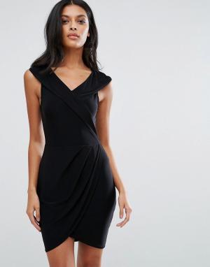 Club L Платье с запахом. Цвет: черный