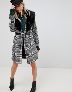 Parisian Длинное пальто в клетку с воротником из искусственного меха и поясом P. Цвет: черный