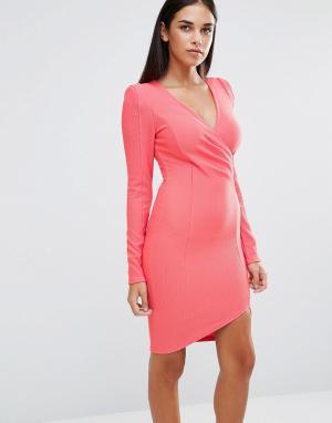 AX Paris Платье с длинными рукавами и запахом спереди. Цвет: розовый