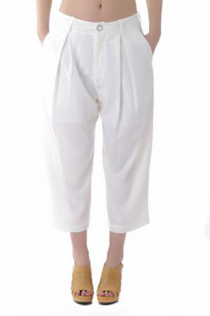 3/4-lenght trousers Fornarina. Цвет: white