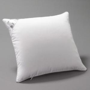 Подушка из синтетики с обработкой PRONEEM BEST. Цвет: белый