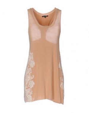 Короткое платье BRIAN DALES. Цвет: песочный