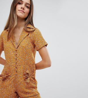 Glamorous Petite Ромпер с бантами на карманах и цветочным принтом. Цвет: оранжевый