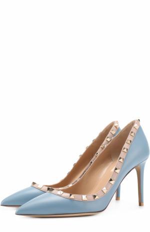 Кожаные туфли Rockstud на шпильке Valentino. Цвет: светло-серый