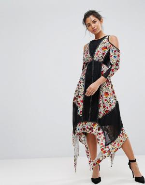 Frock and Frill Платье с цветочным принтом и бархатными вставками. Цвет: мульти