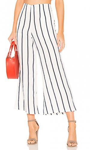 Укороченные брюки tomas FAITHFULL THE BRAND. Цвет: белый