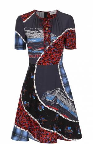 Приталенное шелковое мини-платье с контрастным принтом Coach. Цвет: разноцветный