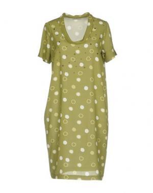 Короткое платье BARONI. Цвет: зеленый-милитари