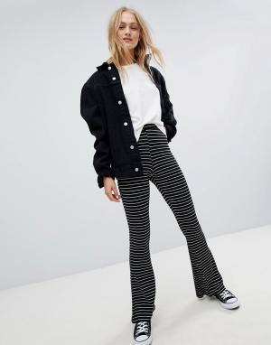 Daisy Street Расклешенные брюки в тонкую полоску. Цвет: черный