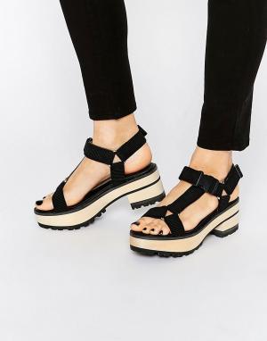 Eeight Черные сандалии на каблуке Valentina. Цвет: черный