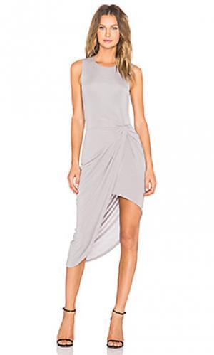 Платье с запахом wrap Lovers + Friends. Цвет: серый