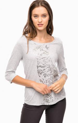 Серая трикотажная футболка с принтом olsen. Цвет: серый