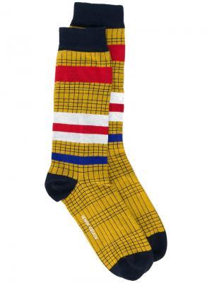 Клетчатые носки с полосками Henrik Vibskov. Цвет: жёлтый и оранжевый