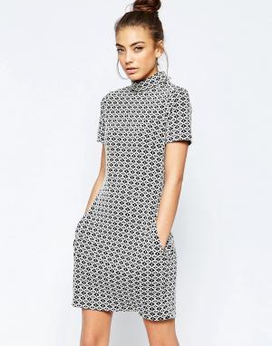 Hedonia Цельнокройное платье из жаккардовой ткани с геометрическим узором Hedo. Цвет: белый