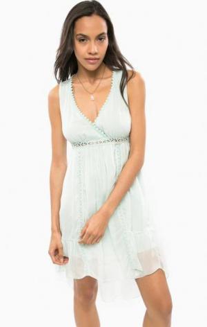 Коктейльное шелковое платье мятного цвета Guess. Цвет: мятный