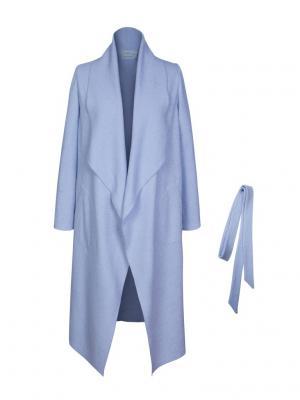 Пальто из тонкой вареной шерсти с поясом Bella kareema. Цвет: голубой