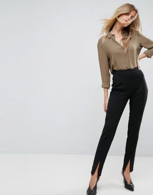Y.A.S Зауженные брюки с фактурной отделкой. Цвет: черный