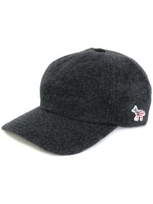 Классическая кепка с логотипом Maison Kitsuné. Цвет: серый